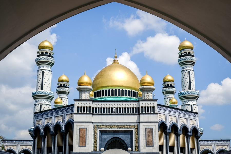 Front entrance view of the Jame'Asr Hassanil Bolkiah mosque in Brunei
