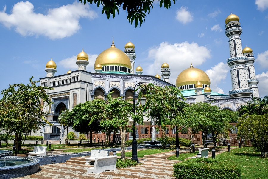 Courtyard and trees at the Jame'Asr Hassanil Bolkiah mosque in Brunei