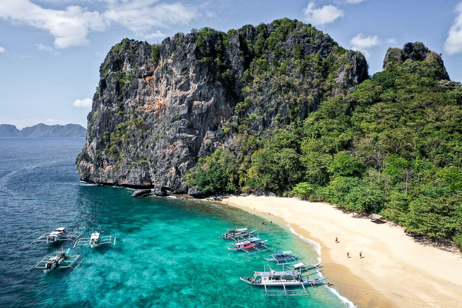 Drone picture of Helicopter Island in El Nido