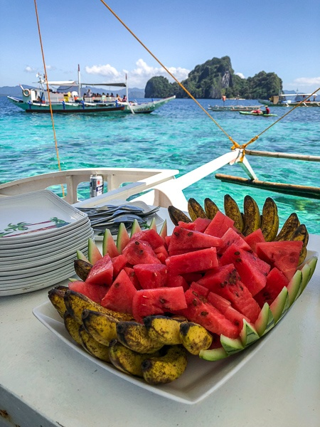 Boat lunch on the El Nido island hopping tour